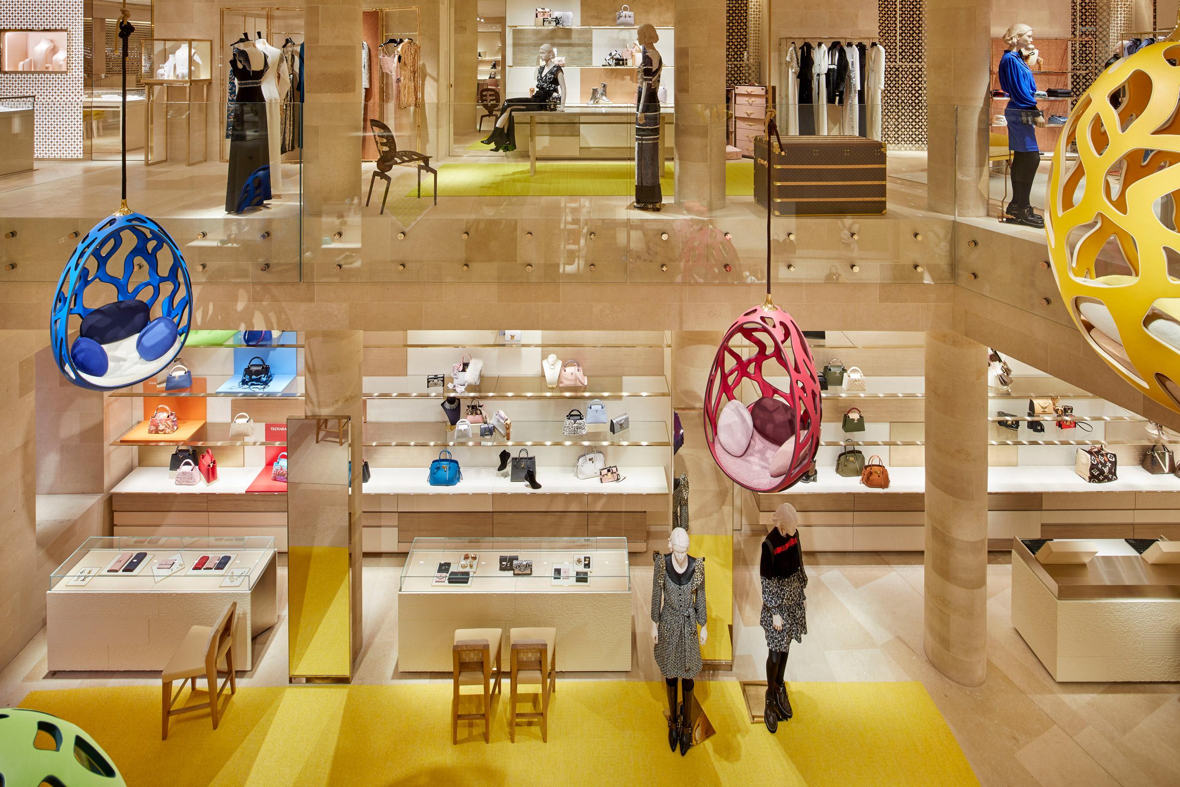 Thiết kế ánh sáng cho cửa hàng thời trang 2