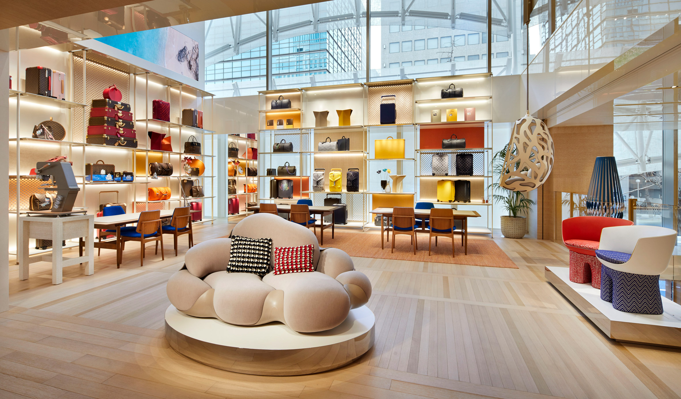 Thiết kế nội thất shop thời trang 2