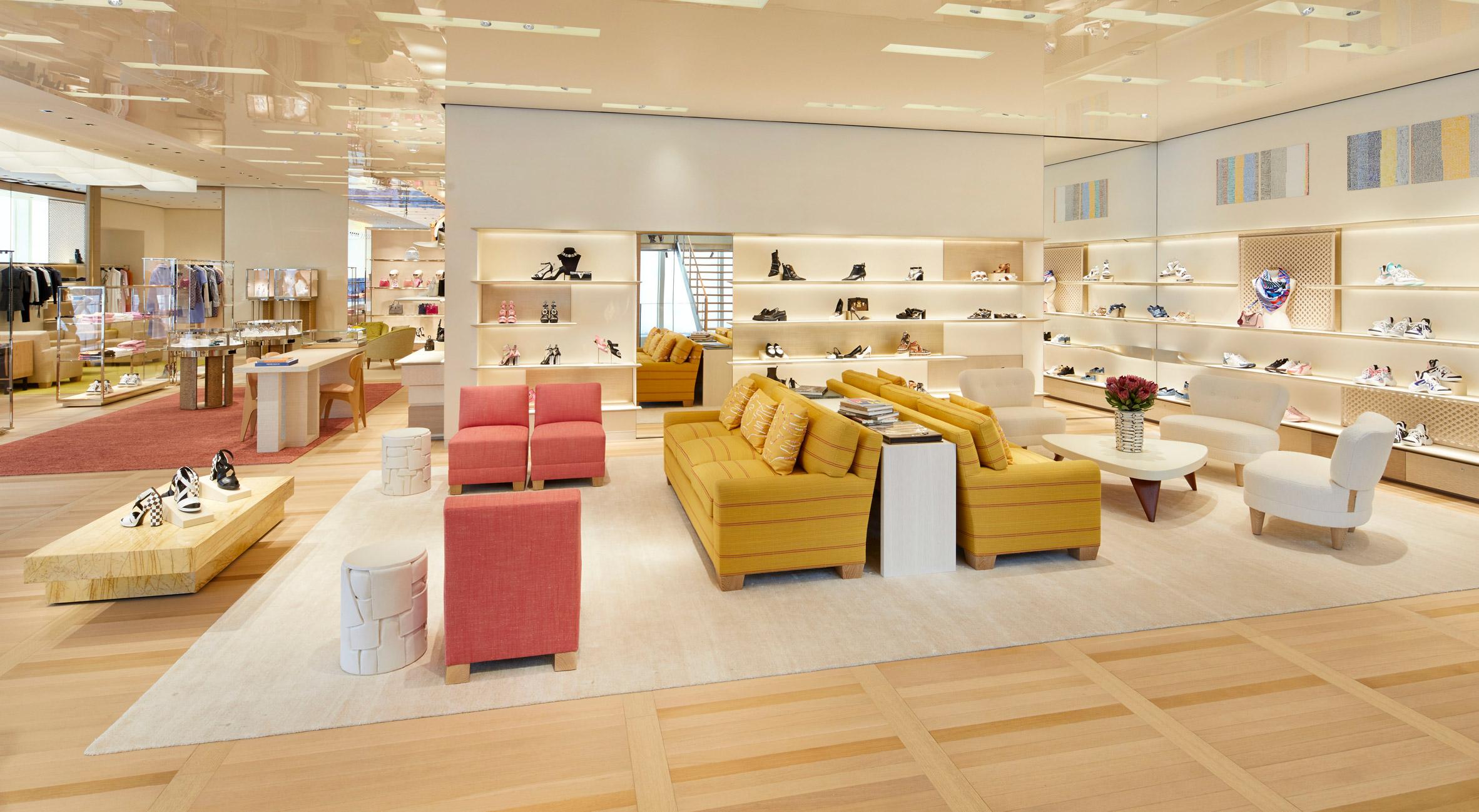 Thiết kế nội thất shop thời trang 7