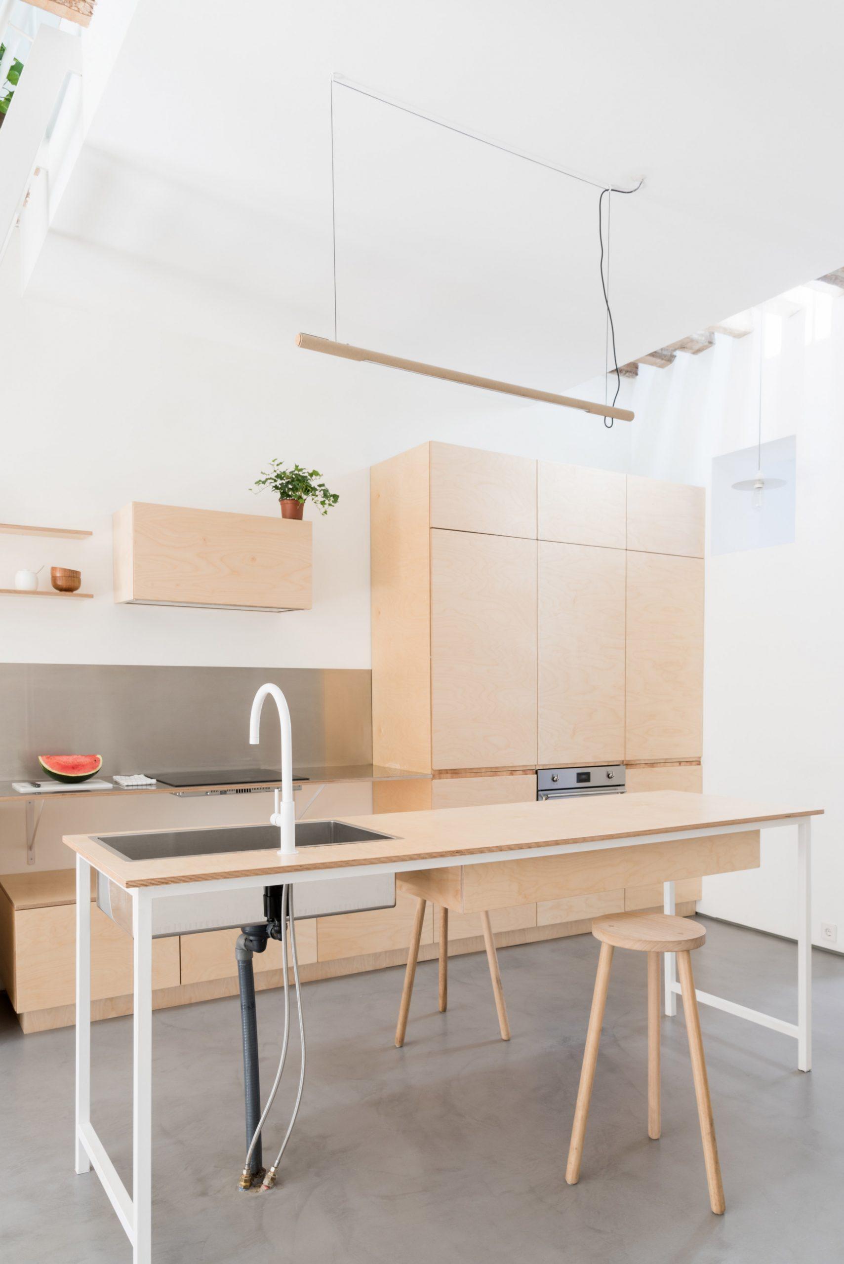 Thiết kế phòng khách chung cư đơn giản 4
