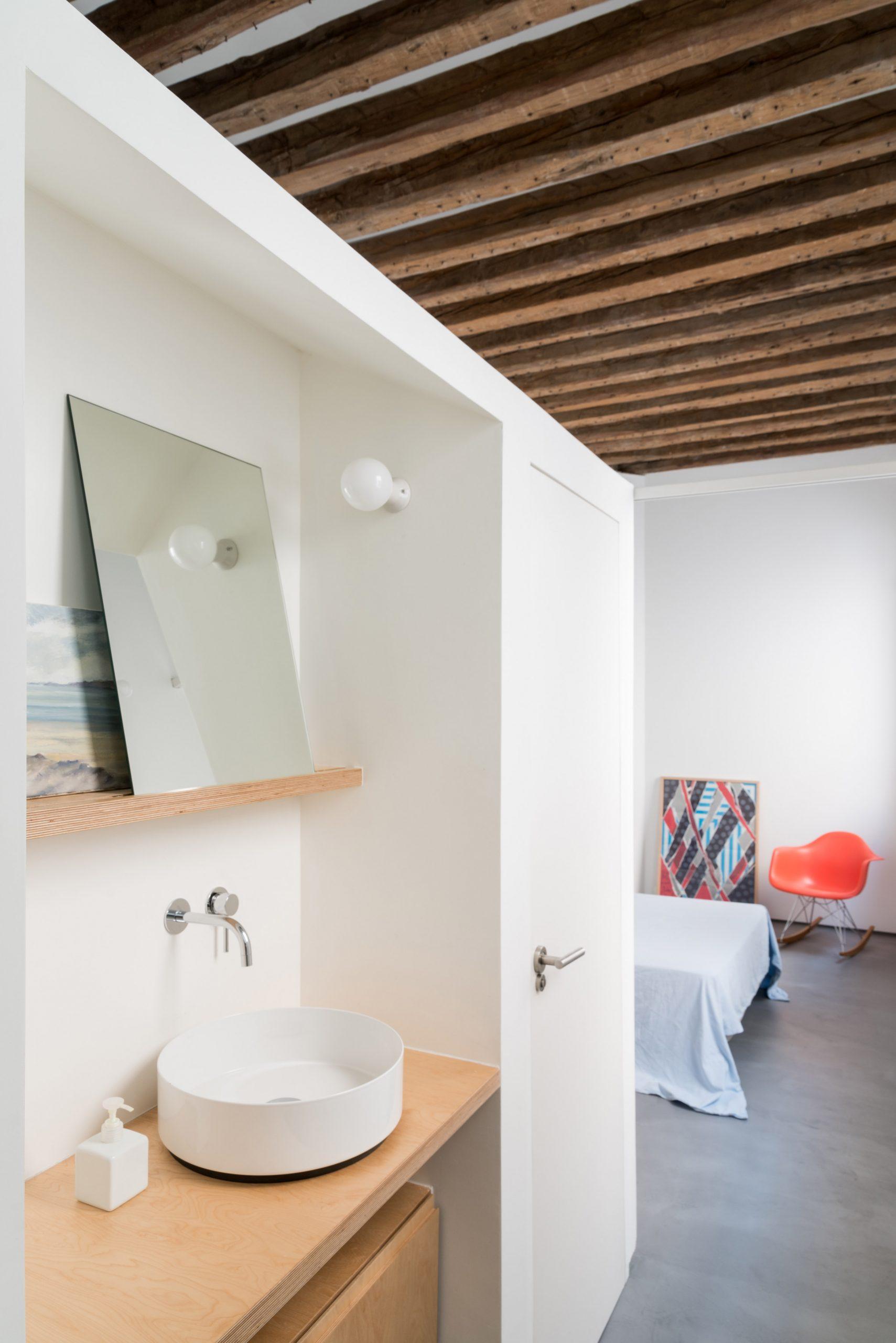 Thiết kế phòng khách chung cư đơn giản 6