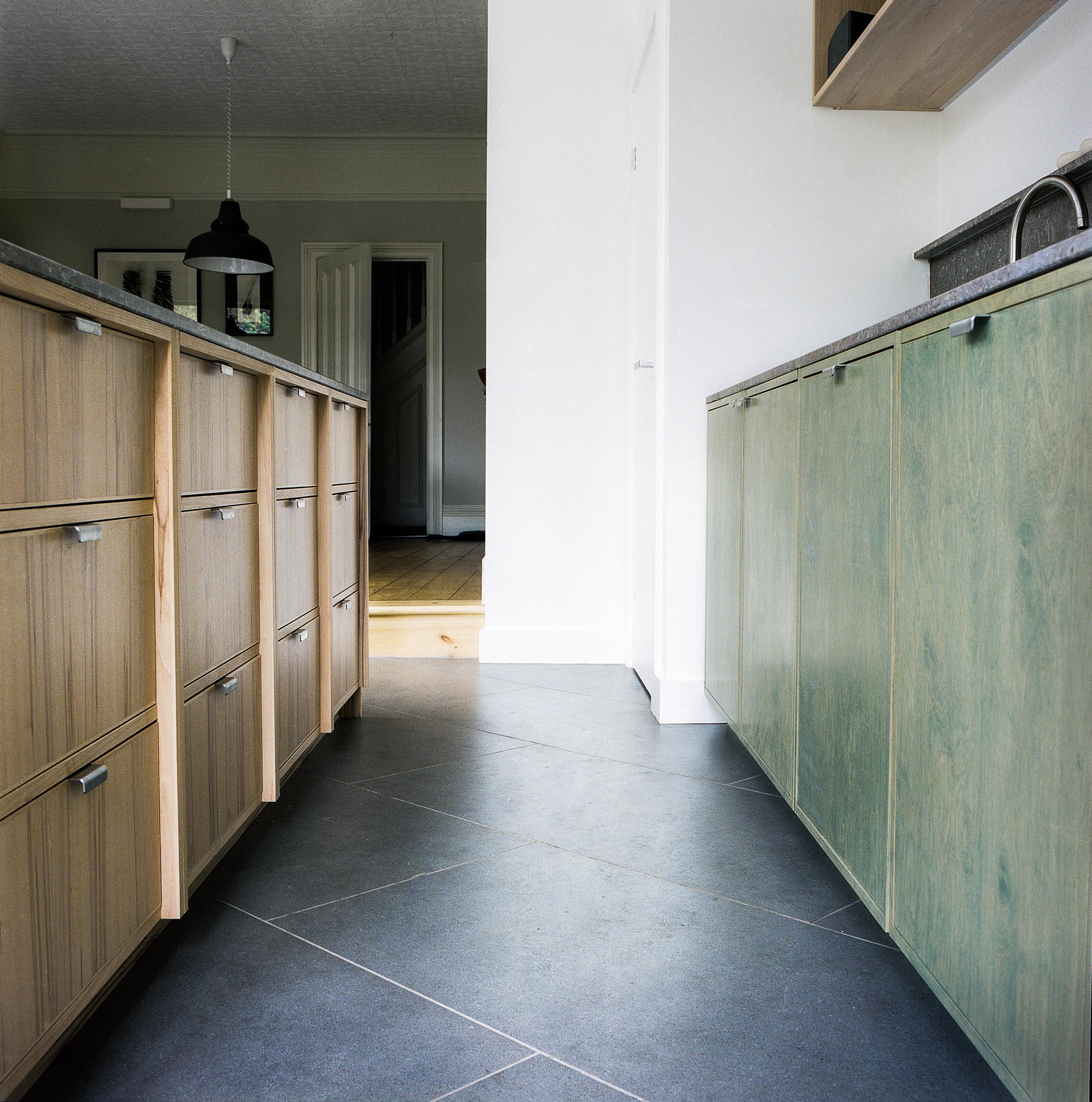 Mẫu tủ bếp đẹp 9