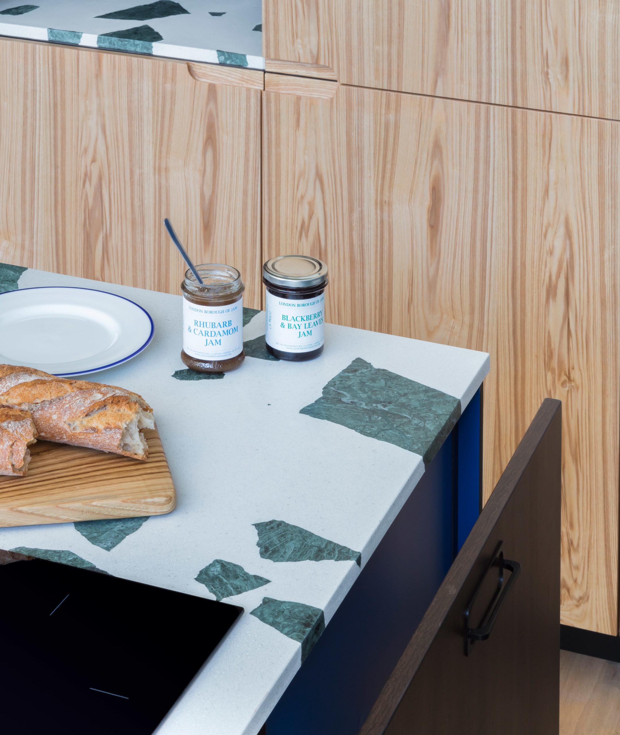 Thiết kế tủ bếp đẹp 11