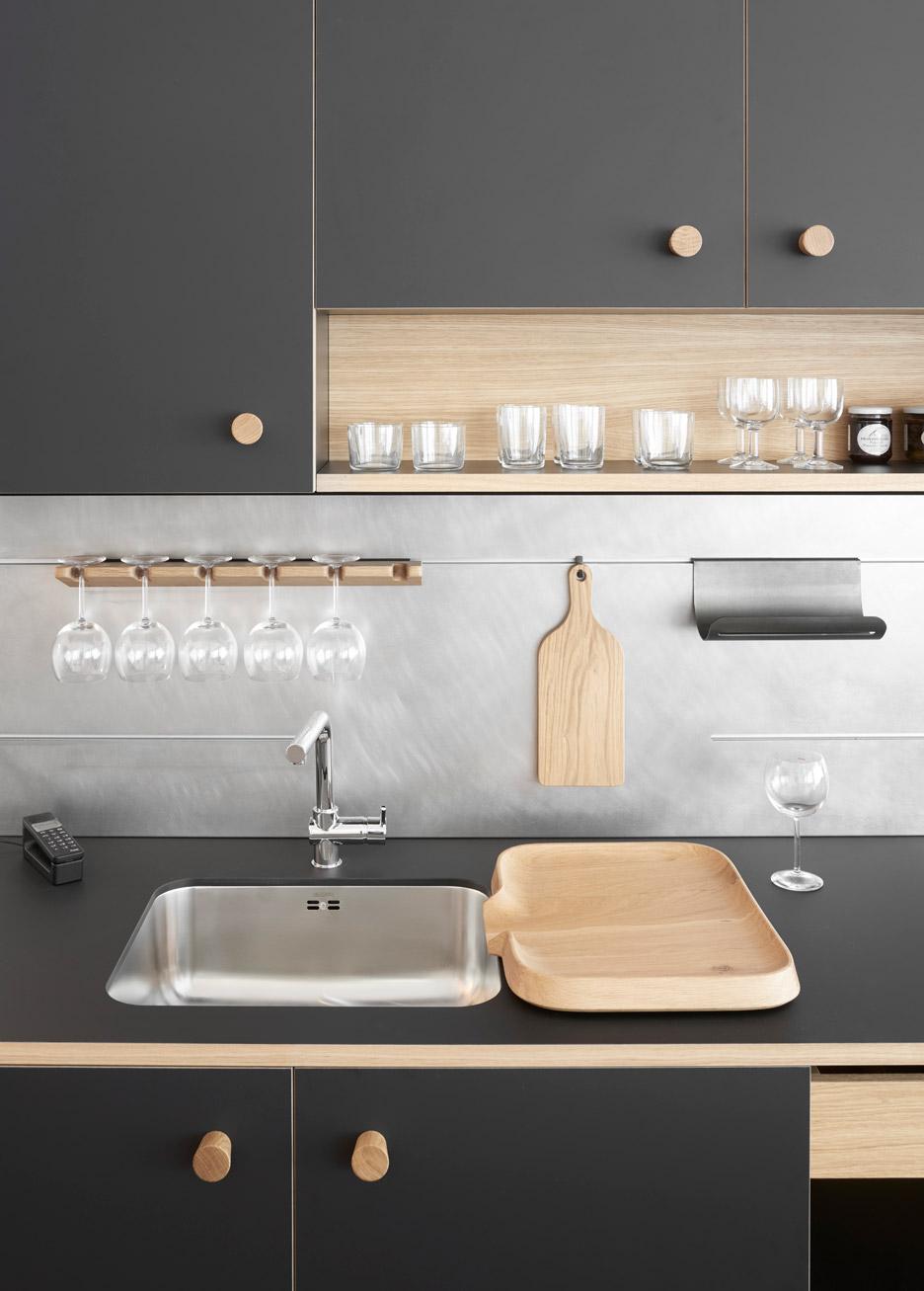 Tủ bếp hiện đại 3