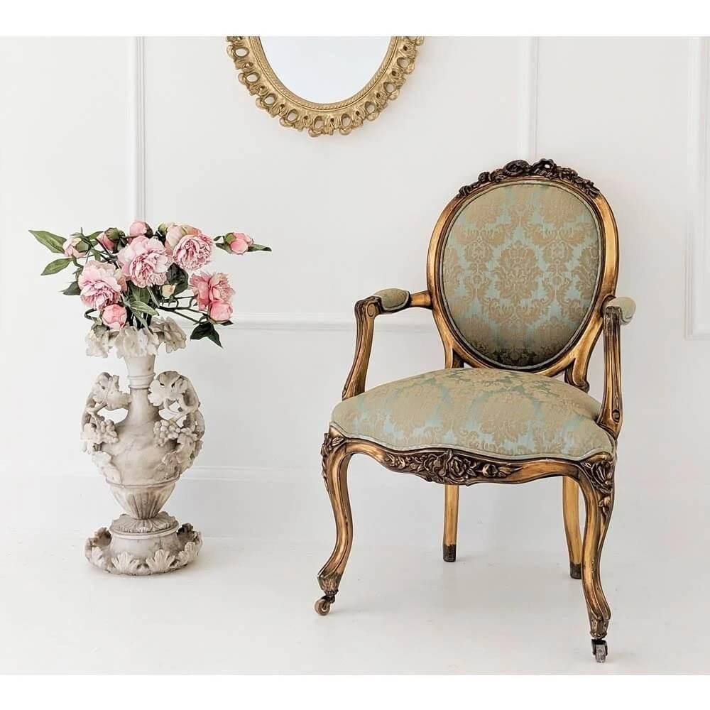 Ghế Nữ Hoàng Cổ Điển 1