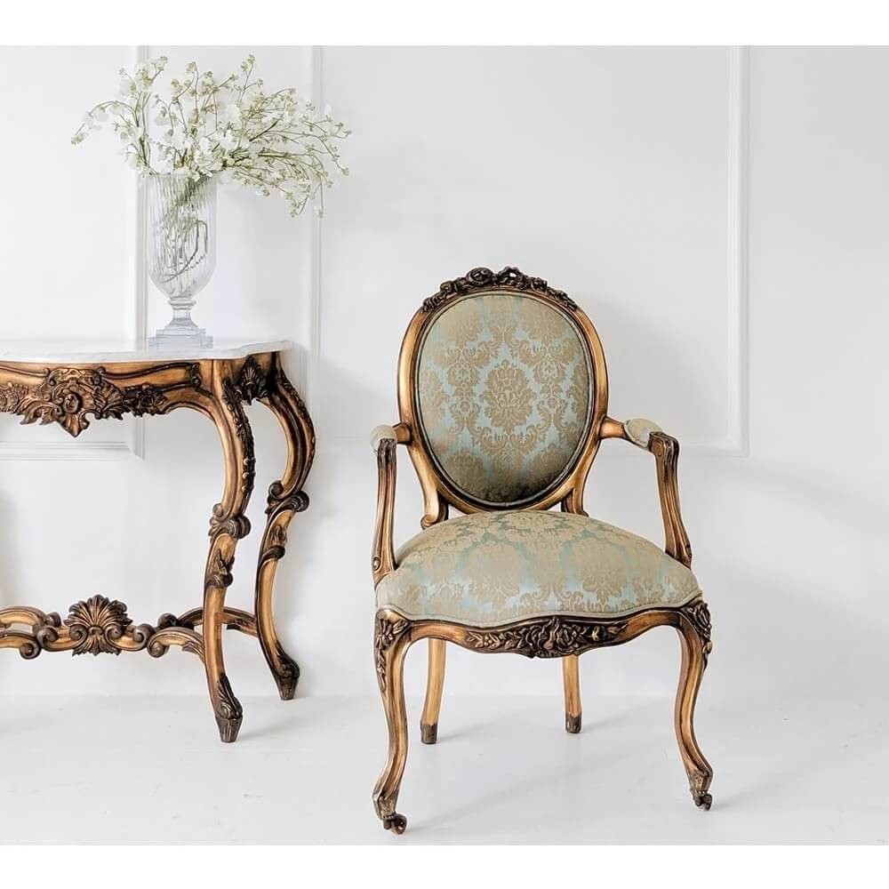 Ghế Nữ Hoàng Cổ Điển 4