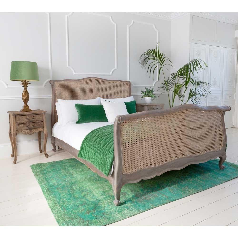 Giường gỗ cao cấp 2