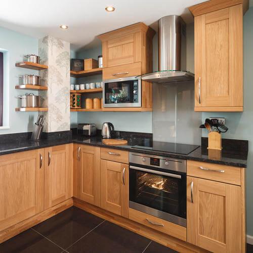 Lắp đặt bếp điện hoặc bếp gas trong bếp
