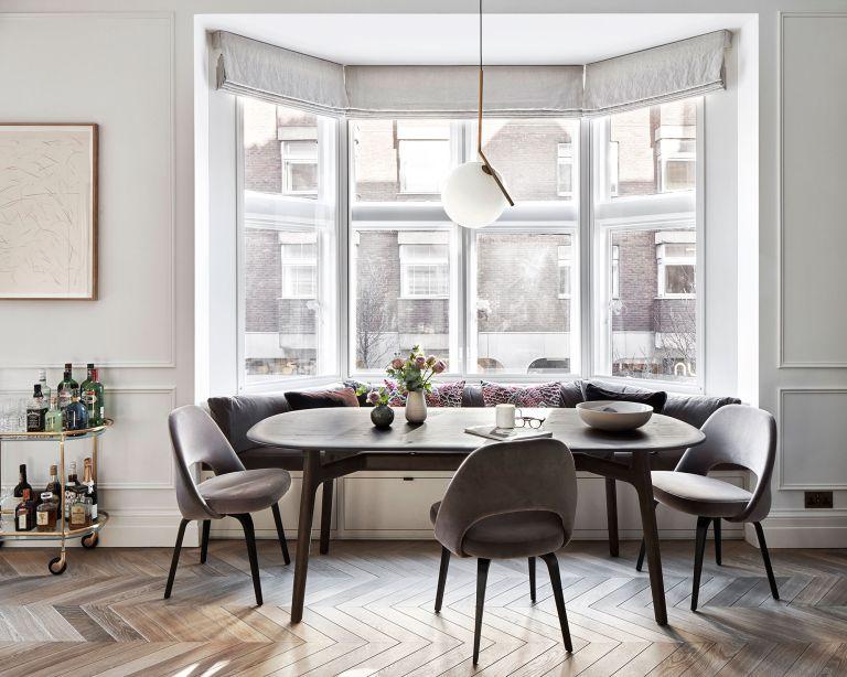 Kết hợp bàn phòng khách & bàn ăn