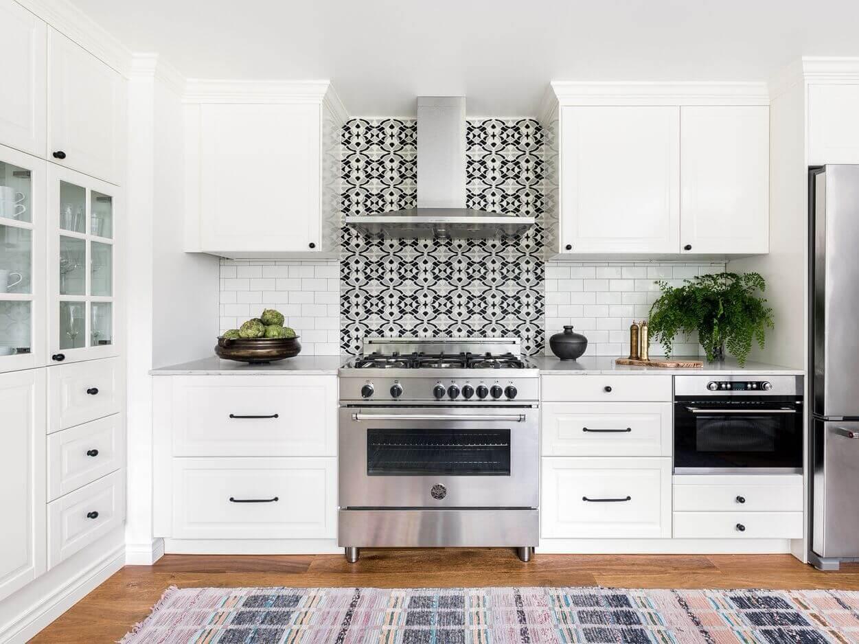 Tủ bếp màu trắng