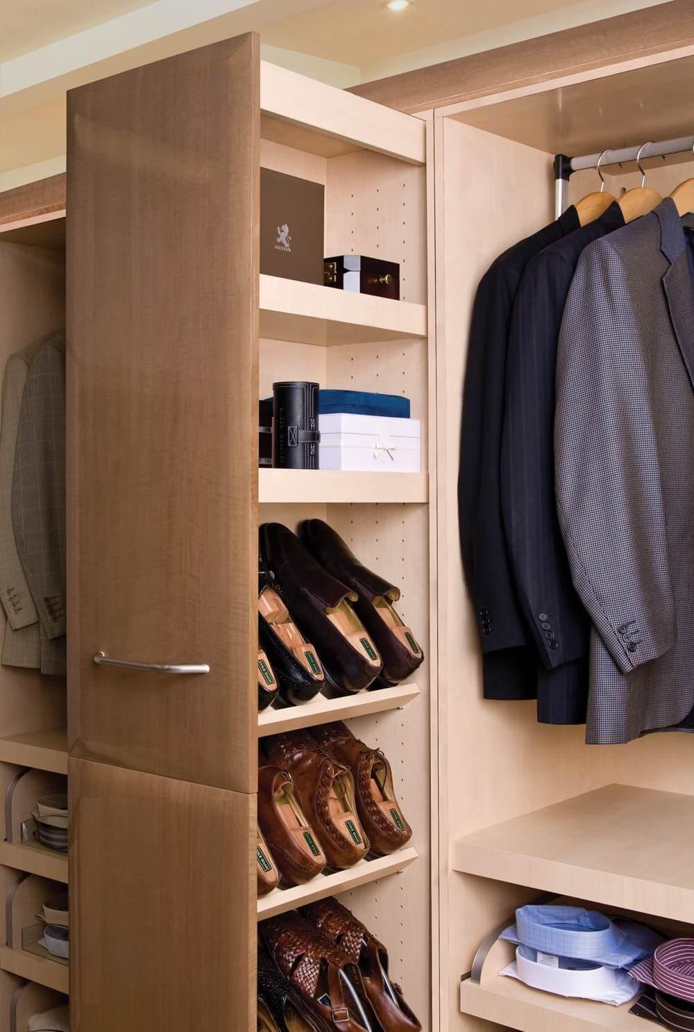 Tủ giày phòng thay đồ