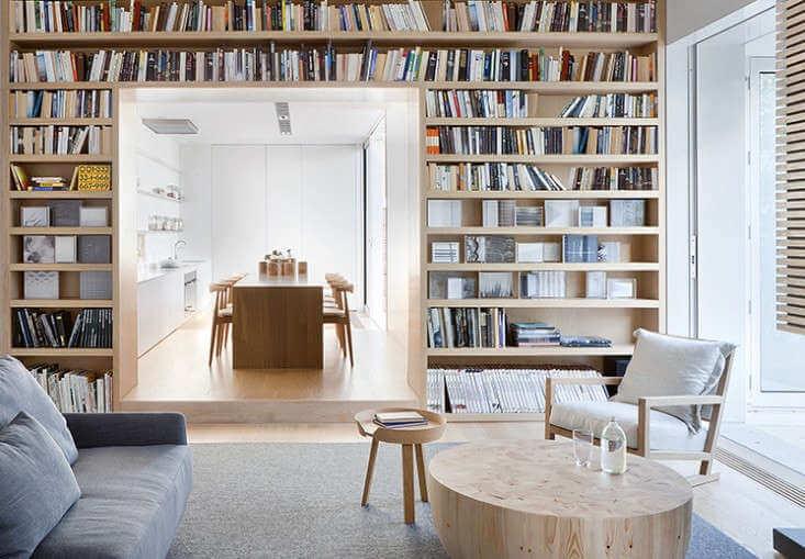 Tủ sách âm tường
